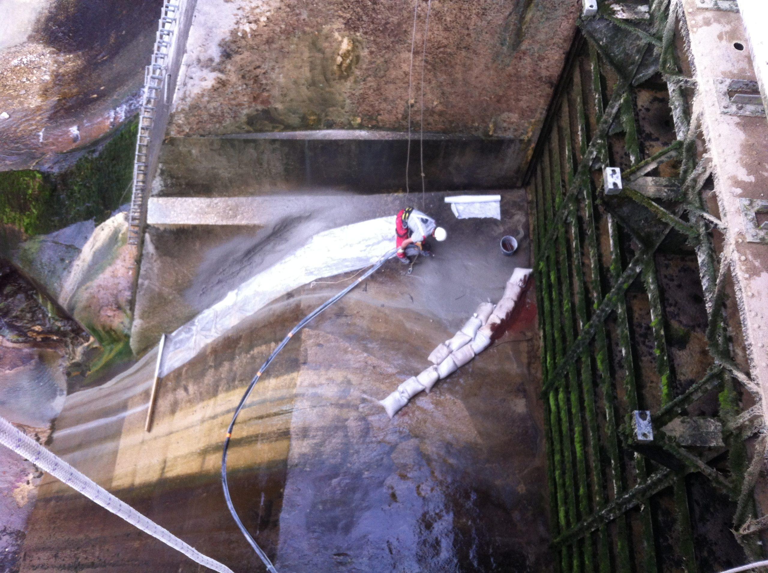 Réparation des bétons sur un seuil de barrage